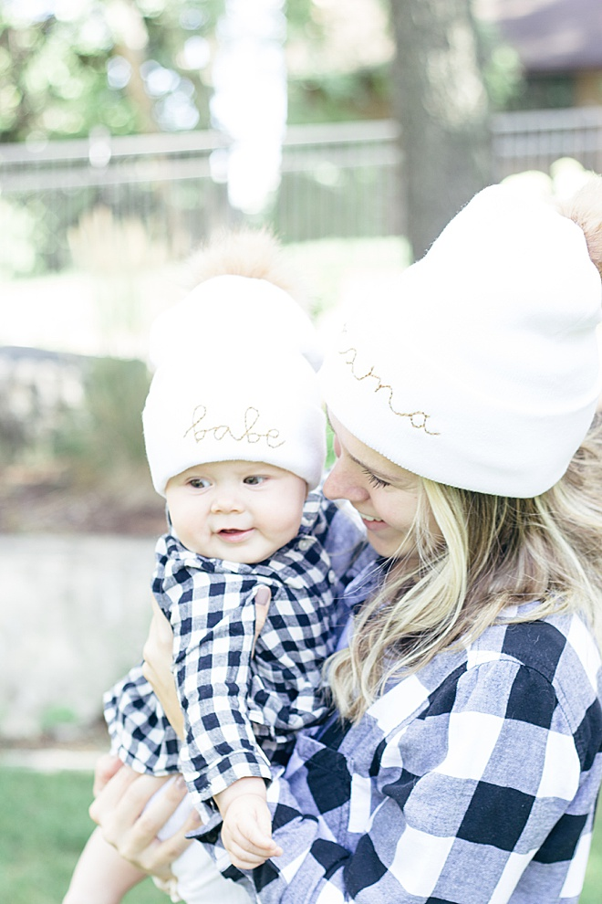 Obsessing over these matching DIY mama and babe beanies!