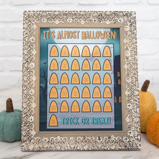 Print your own adorable Halloween countdown calendar!