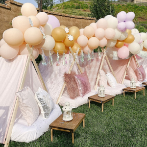 We can't get enough of this super cute and fun Girlchella birthday party idea!