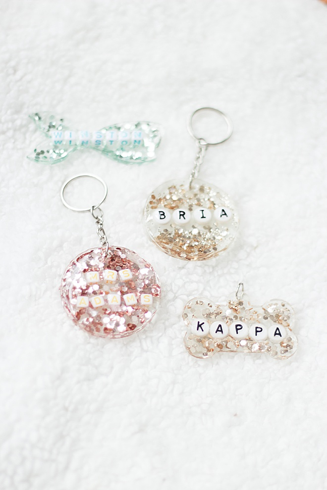 DIY name tags that SPARKLE! Link in profile for this tutorial for the entire family.