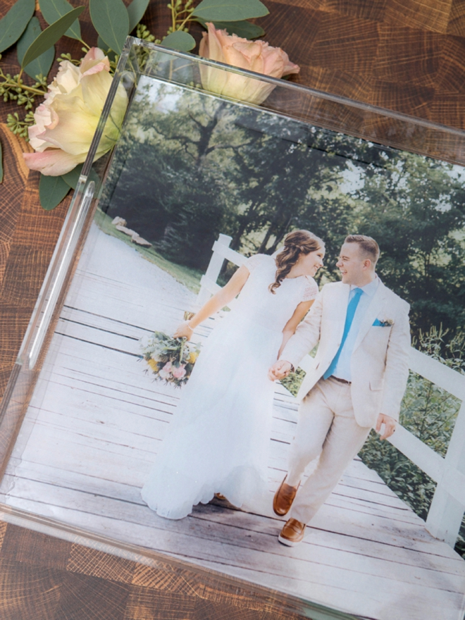 How to make a resin-covered photo tray gift!