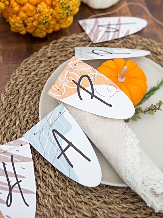 Free printable Thanksgiving decor signs, seating cards and more!