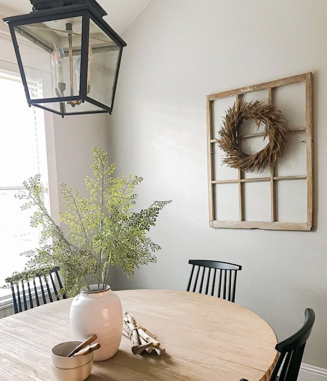 Obsessed with this rustic pendant lantern - it's so farmhouse chic and rustic. I could see this as kitchen lighting, entryway lighting, dining room lighting, or even outdoor lighting. #decor #design #inspo Photo: @emariehome