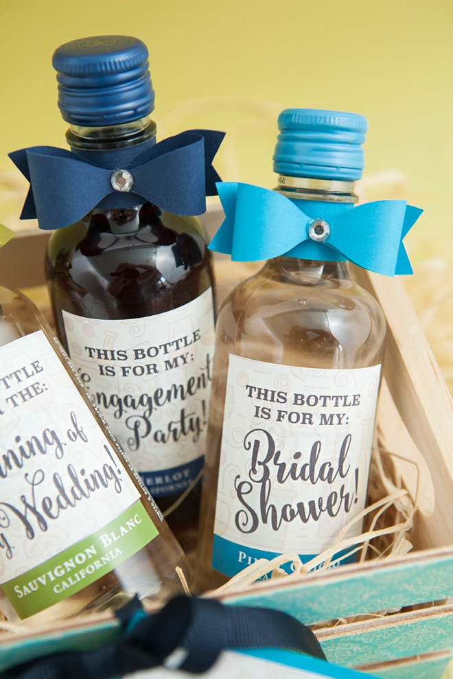 Did someone say wine? You'll love our DIY mini wine bottle bridesmaid gifts!