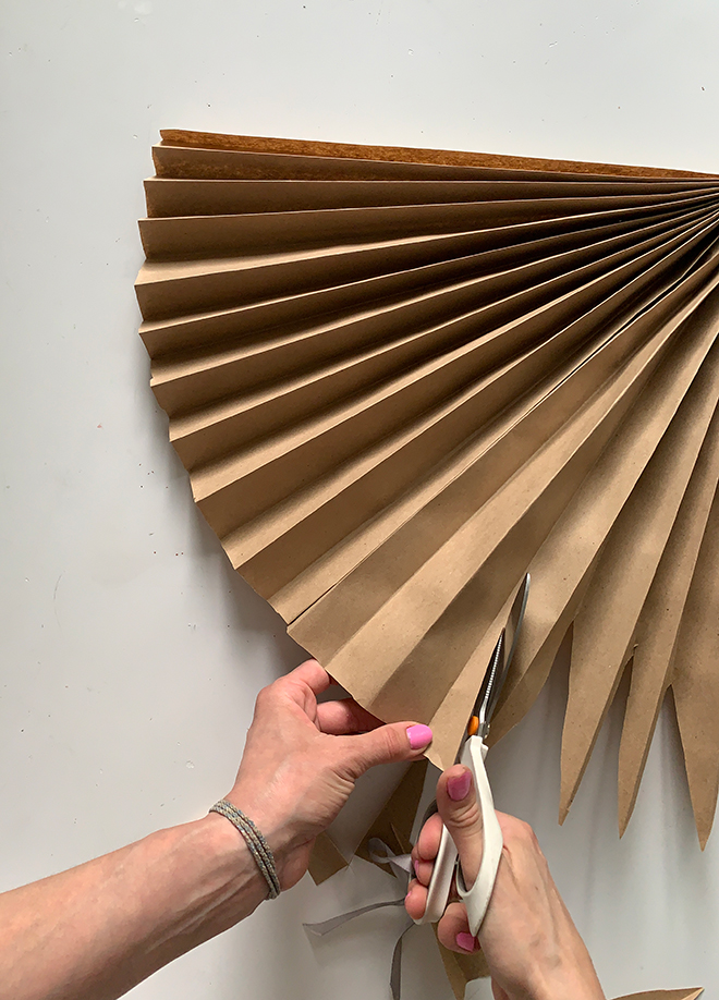 You have to click over to see how amazing these paper palms look!!