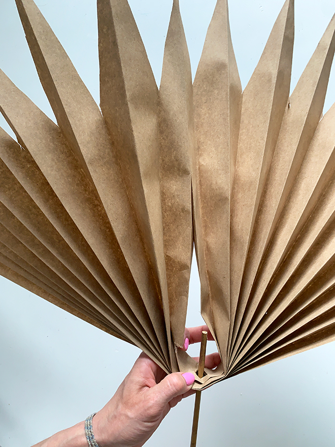 Check out these simple DIY Paper Palm Fronds!