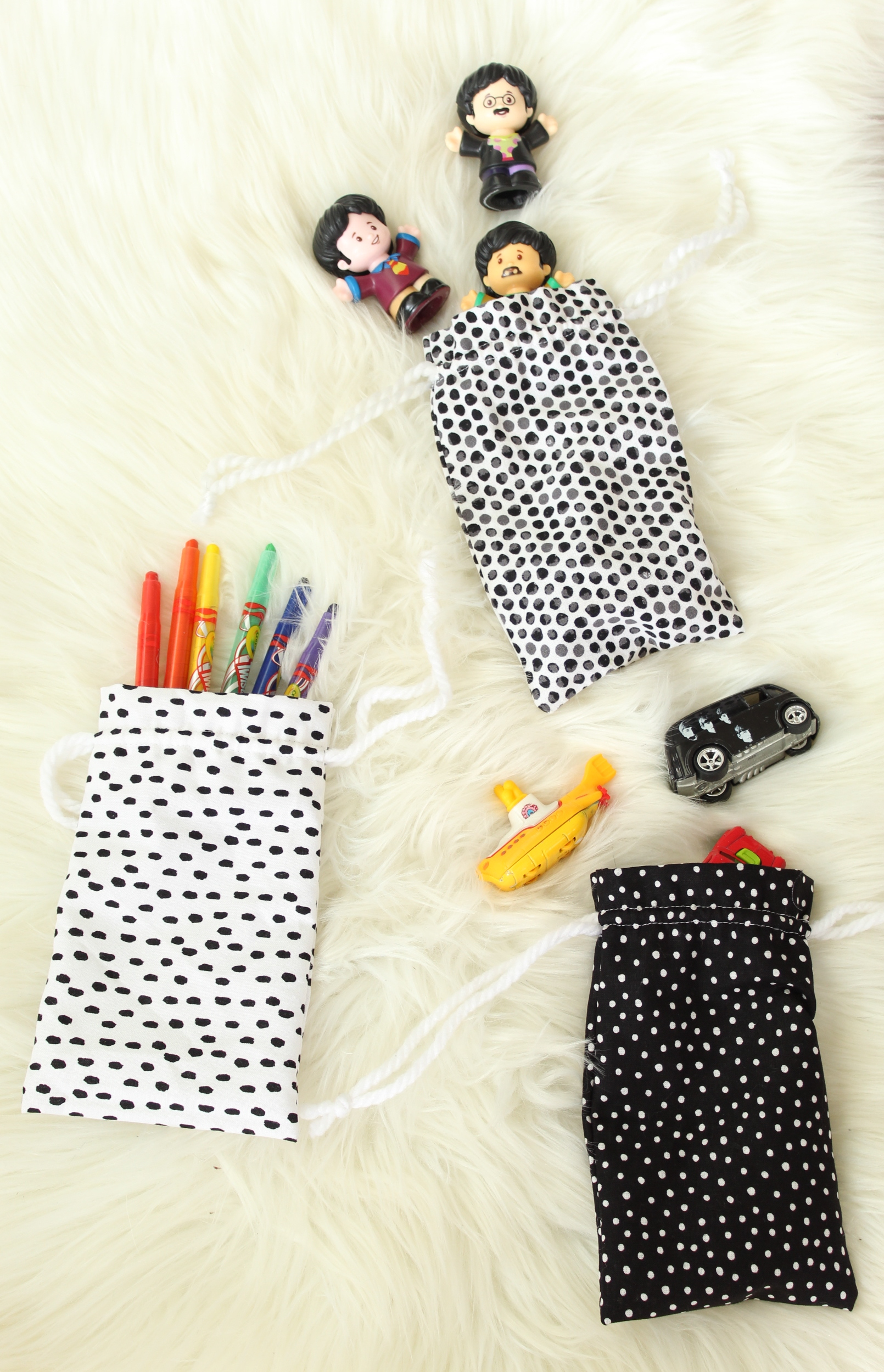 You don't want to miss these DIY Drawstring Bags, they're great for everything!