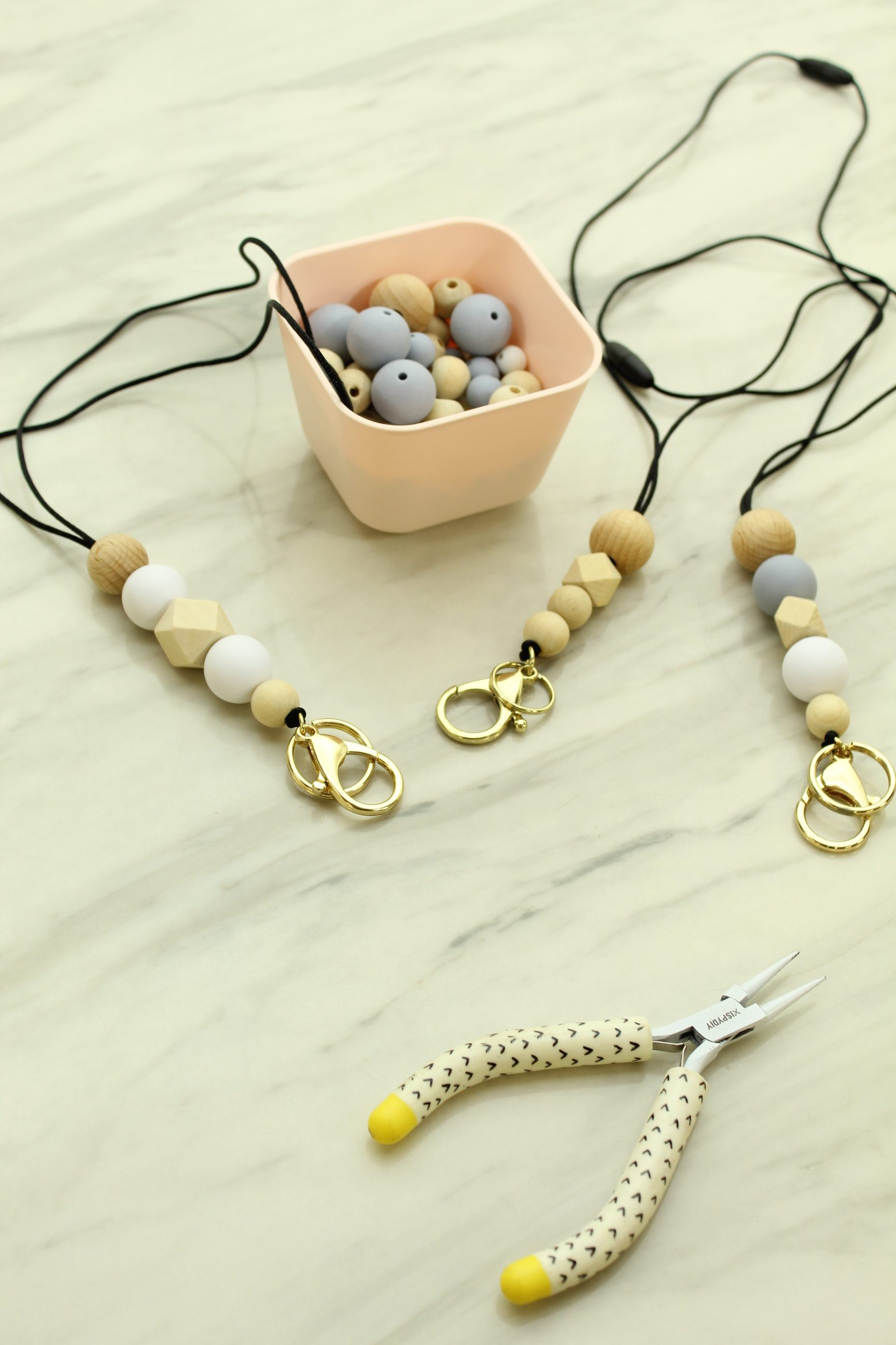 You don't want to miss this super cute and super EASY DIY Beaded Teacher Lanyard!