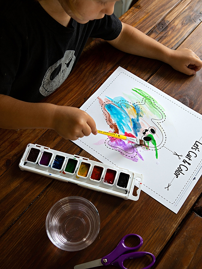 Free printable Halloween cut and color pages with Canon PIXMA!!